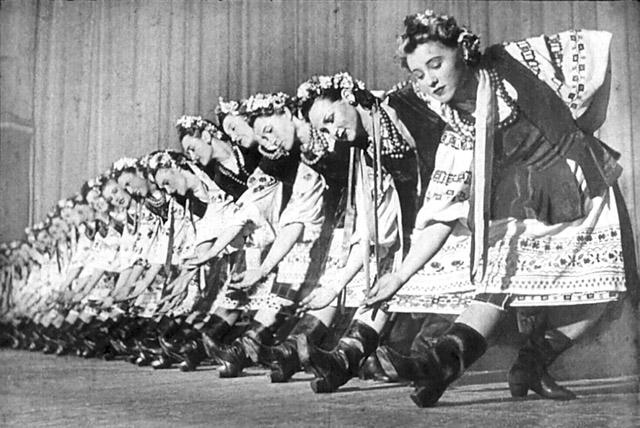 Ансамбль народного танца под руководством Игоря Моисеева