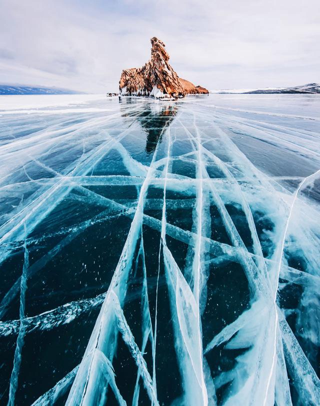 Замерзший Байкал. Фото Кристины Макеевой.