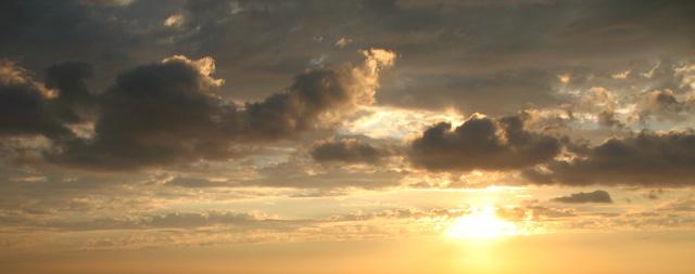 Облака в августе. Предположительно Адлер 2012 года