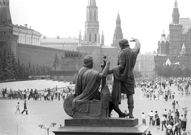 Памятник Минину и Пожарскому на Красной площади, фото: Петр Носов / ИТАР-ТАСС