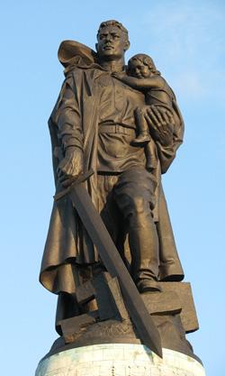 Памятник советскому воину-освободителю (Берлин)