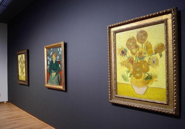 Экспонаты Музея Ван Гога (Амстердам), фото Reuters