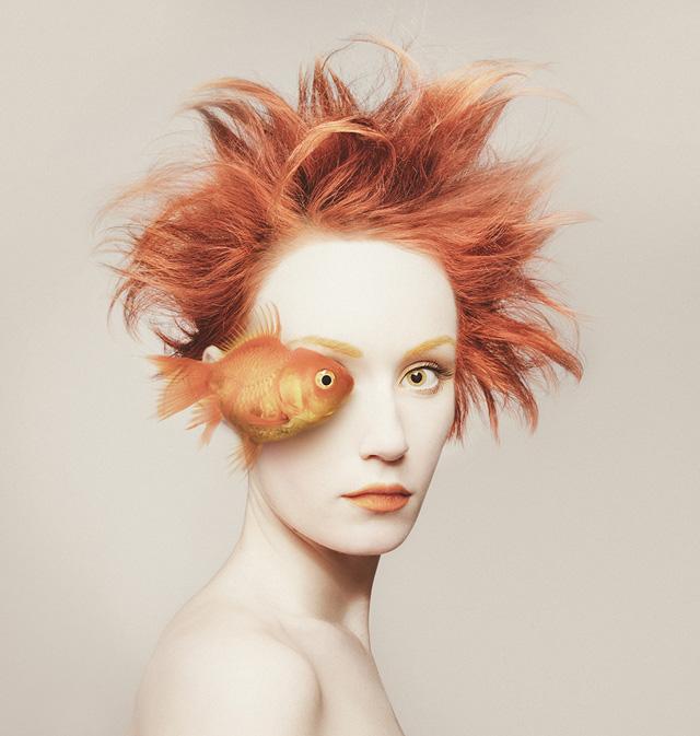 Флора Борси. Автопортрет