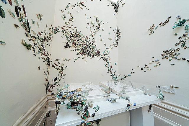 автор инсталляции - Анна Коллетт Хант (UK)