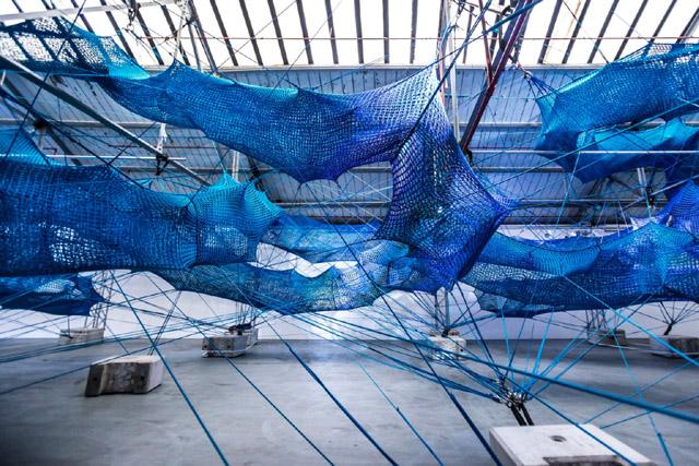 Инсталляция Ани Хиндмарч (2019)