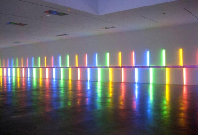 Световая инсталляция Дэна Флавина, фото: Getty Images