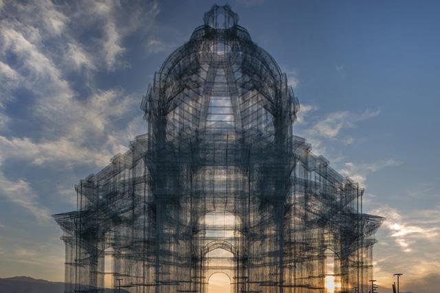 Архитектурная инсталляция Эдоардо Тресольди