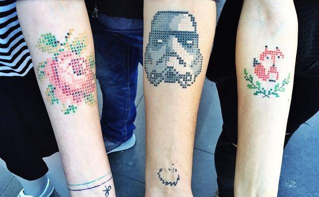 """татуировка """"крестиком"""""""