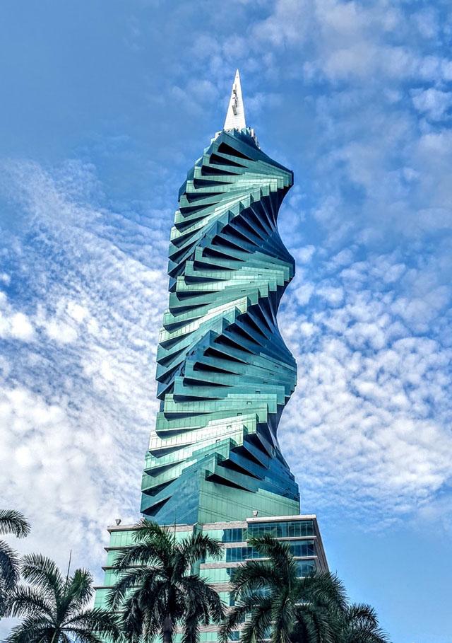 Башня Революции в Панаме