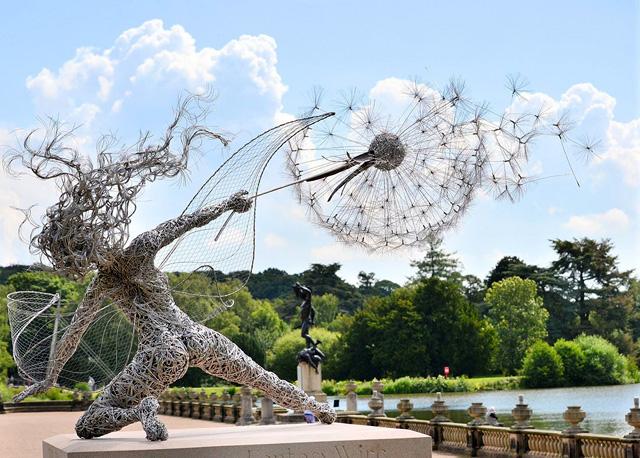 Динамичная скульптура из проволоки. Автор  - Robin Wight