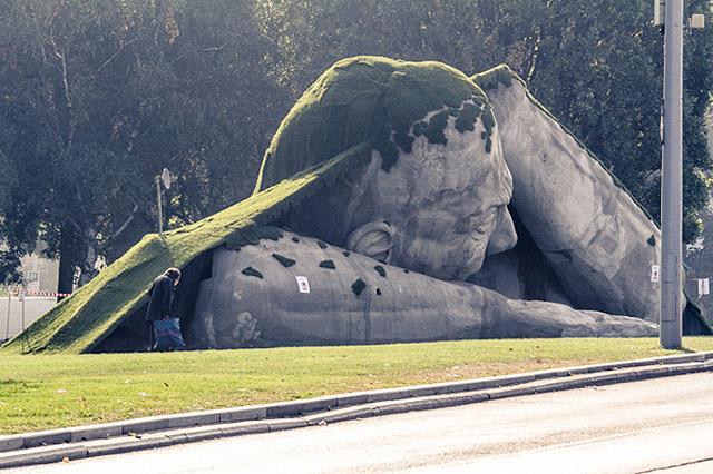работа венгерского скульптора Ervin Loránth Hervé