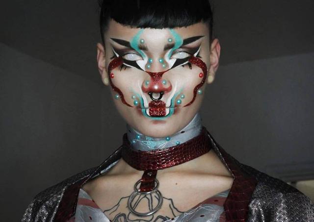 Образ берлинского художника-трансвестита Хангри
