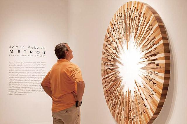 на выставке МакНабба в галерее Роберта Фонтейна (Майами, США)