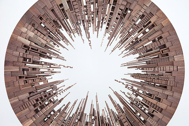 фрагмент скульптуры Джеймса МакНабба (США)