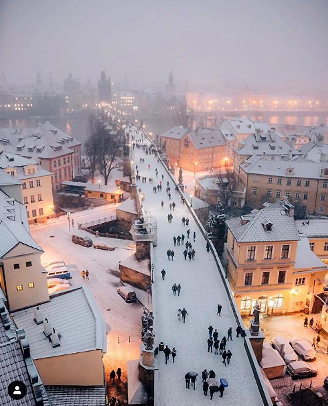 Фото: © Jerzy Michalka (2019), Karlův Most, Praha, Czech Republic.