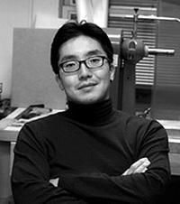 скульптор Джийонг Ли