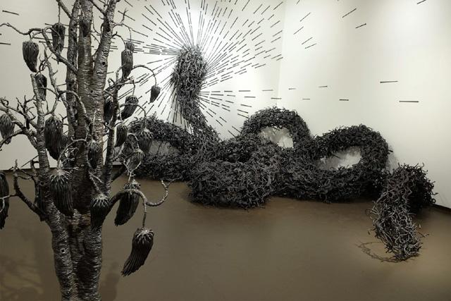 Скульптура из гвоздей. Автор - Джон Бизби