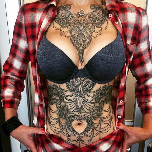 кружевные татуировки Марко Манцо и Франчески Бони