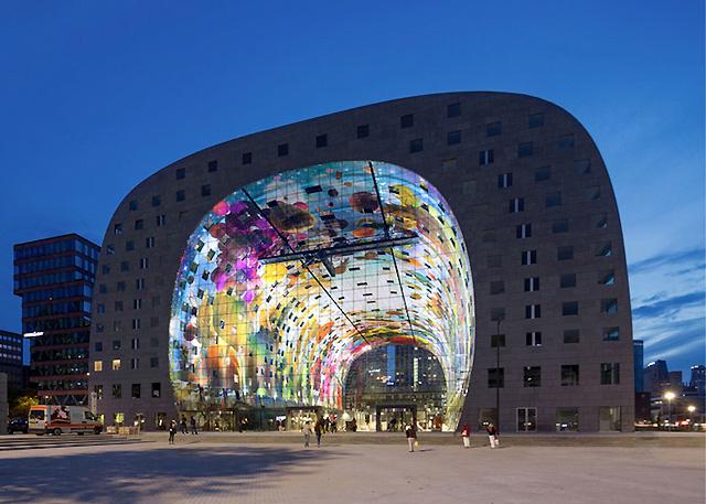 Здание нового рынка в Роттердаме