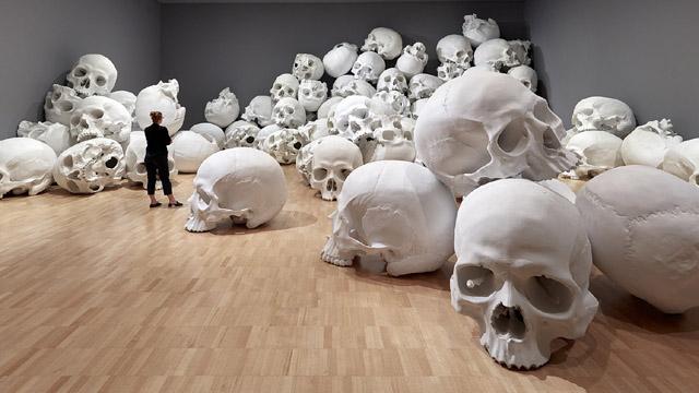Инсталляция Рона Мьюека (2017)