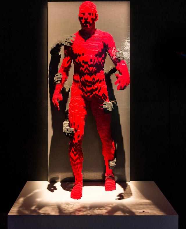 Скульптура Натана Савайи (США)