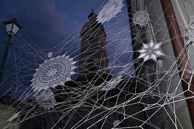 Кружева в виде паутины