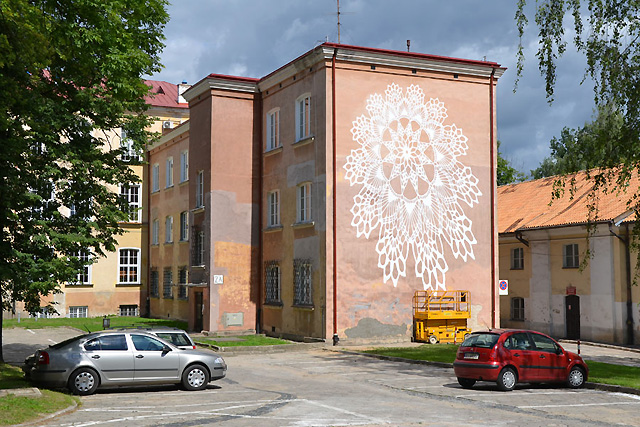 Кружево на фасаде здания