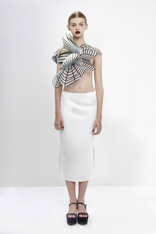 модель платья от Ноа Равив (Израиль)
