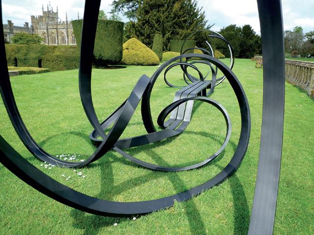 Скульптура Пабло Рейносо (Франция)