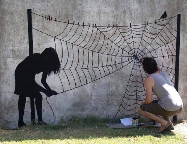 Девочка и паутина
