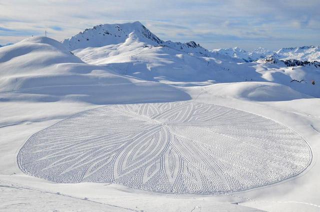Snow Art by Simon Beck-04