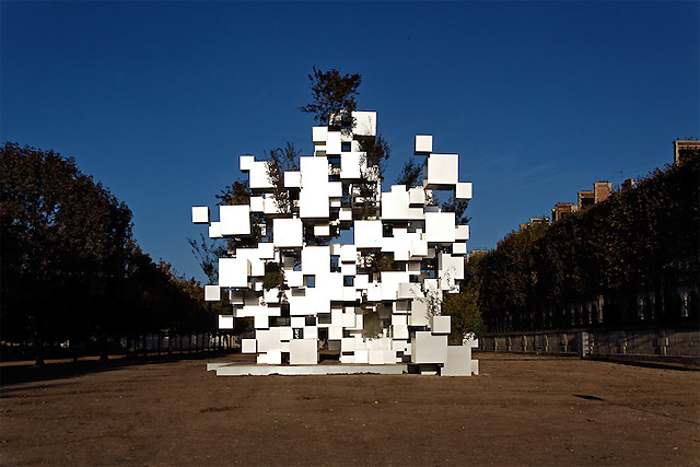 Many Small Cubes, Paris, 2014