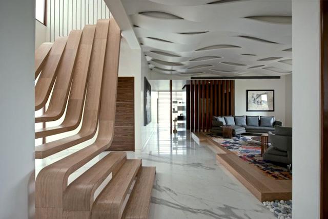 оригинальная лестница из дерева