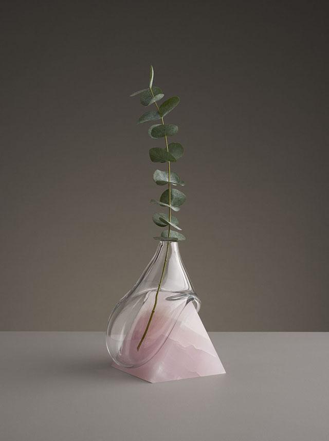 растекающаяся ваза