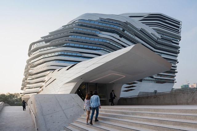 архитектор Заха Хадид